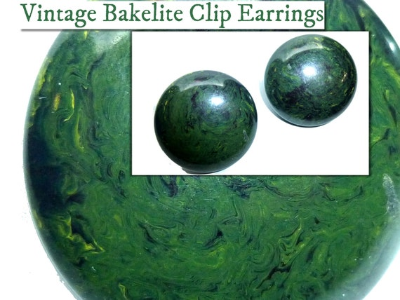 Collectible vintage 1950s unused small opaque round tested flamy swirled dark forest green tested bakelite earrings earclips