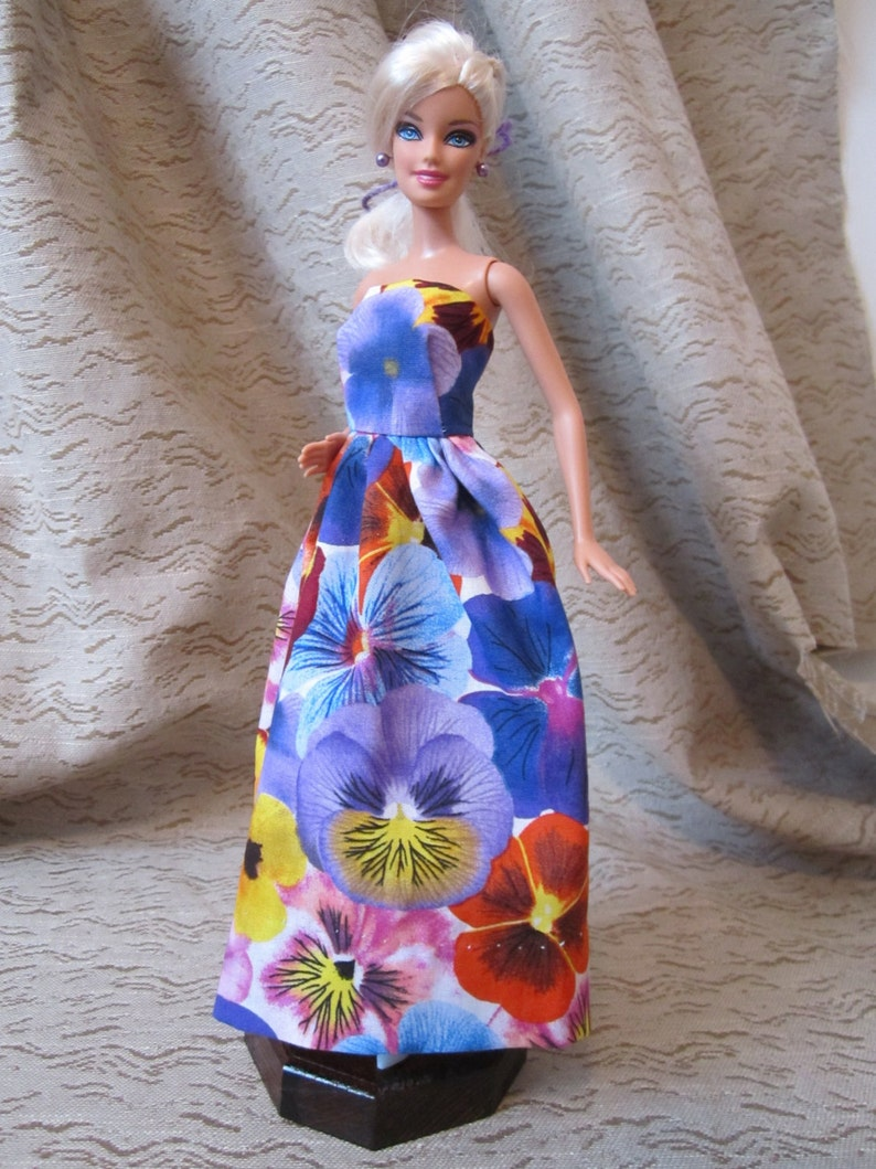 Pansy Flower Dress for Barbie image 0