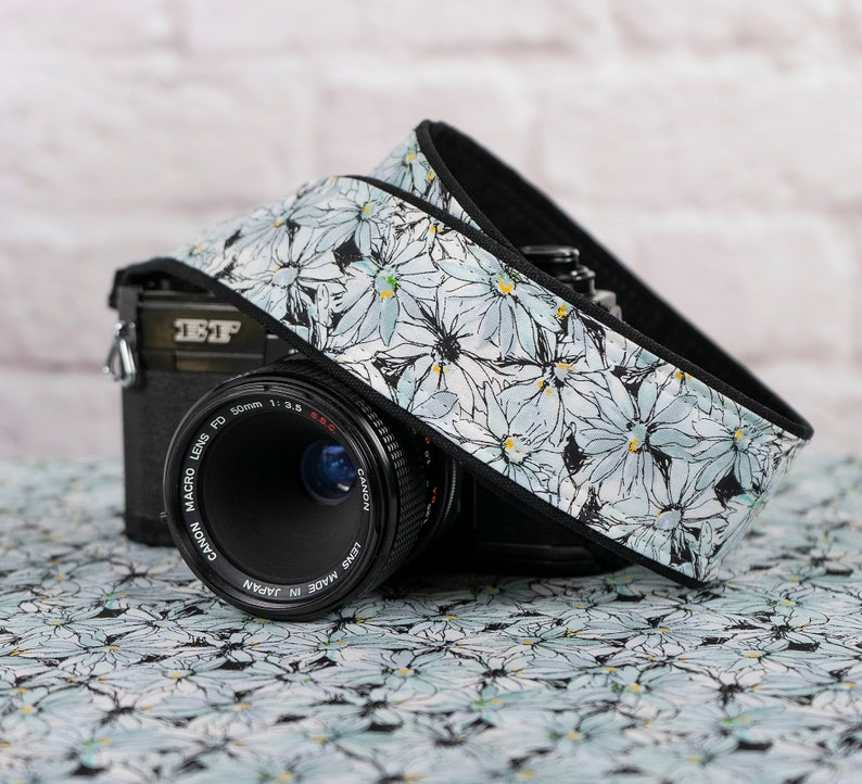 Mod Happy Floral Quick Release Camera Strap