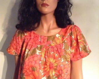 Mode O' Day Hawaiian Day Dress. Vintage MUMU. House dress, Caftan. Tropical Print.  Cotton.  Vintage 1960.  Made in USA