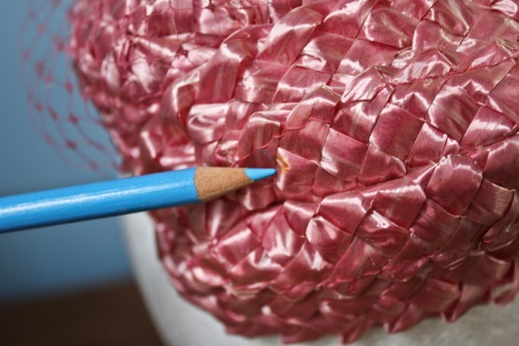 Fifties Era Pink Rattan Woven Band Hat With Veil,… - image 9