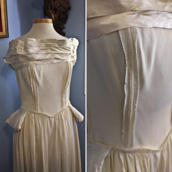 Forties Era Cream Silk Off The Shoulder Debutante… - image 8