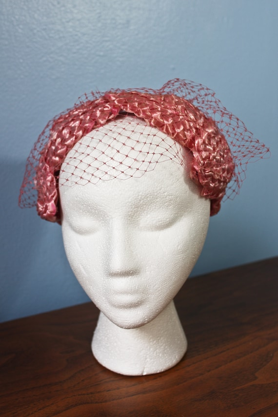 Fifties Era Pink Rattan Woven Band Hat With Veil,… - image 2