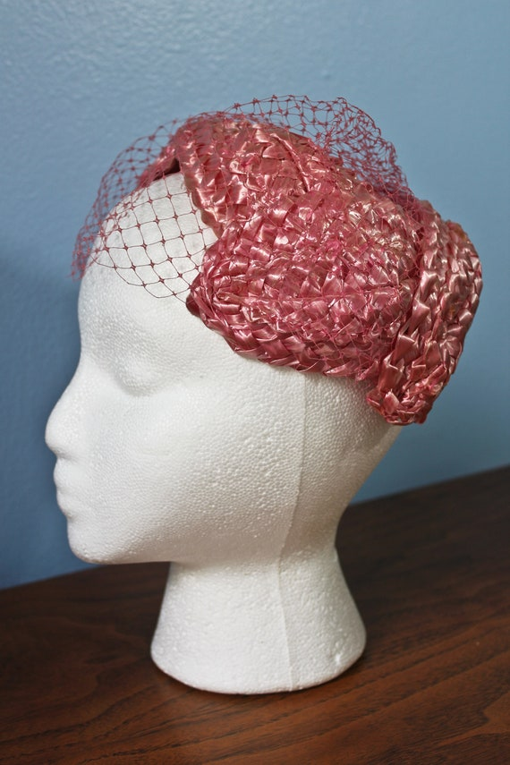 Fifties Era Pink Rattan Woven Band Hat With Veil,… - image 1