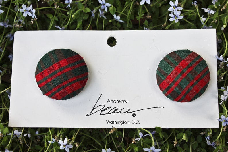 Circa 1960s-70s Red and Green Plaid Bluette Shoe Clips Vintage Red and Green Tartan Cloth Covered Round Bluette Shoe Clips