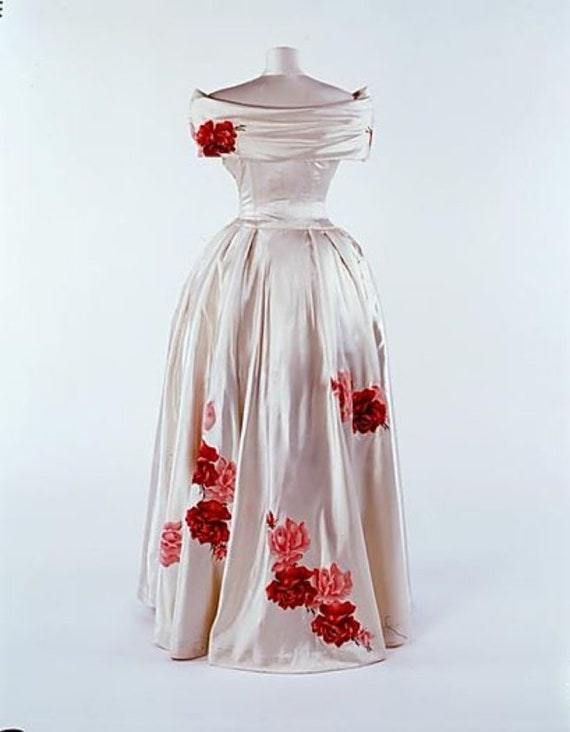 Forties Era Cream Silk Off The Shoulder Debutante… - image 10