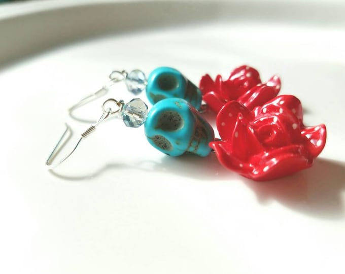 Turquoise sugar skull flower earrings, frida kahlo earrings, day of the dead mexican earrings, rockabilly earrings, red flower earrings,