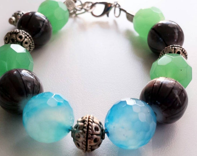 Colorful chunky beaded bracelet, blue and green bead bracelet, statement green and grey bead bracelet, multicolor beaded bracelet