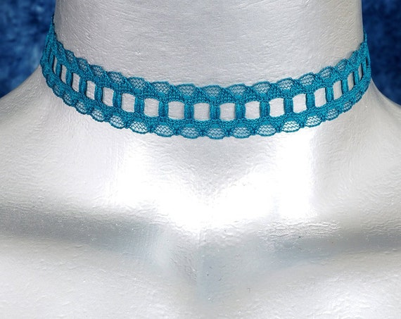 Teal Galoon Scalloped Lace Choker Necklace