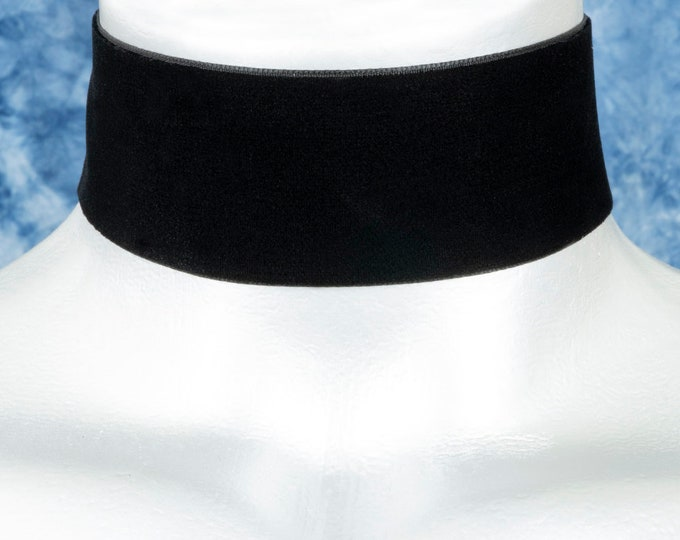 38mm Plain Black Velvet Choker