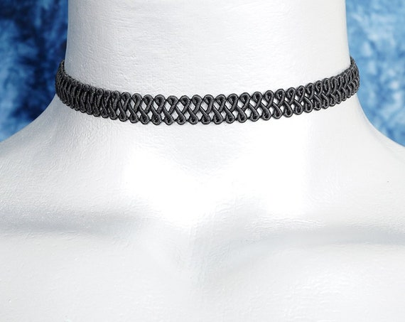 Thin Black Swirl Trim Choker Necklace (10mm)
