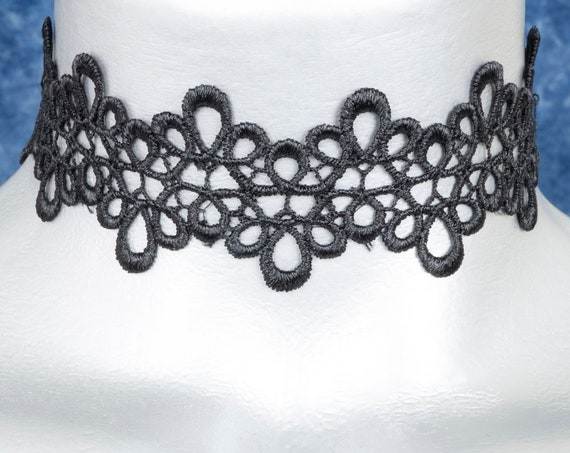 Black ZigZag Loop Lace Choker Necklace