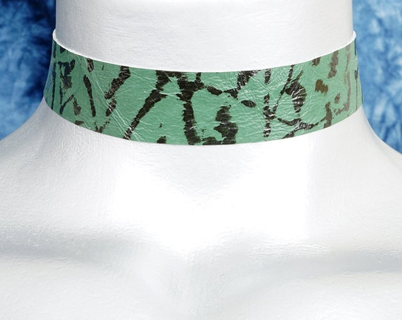 Two-Tone Green Textured Leather Choker Necklace