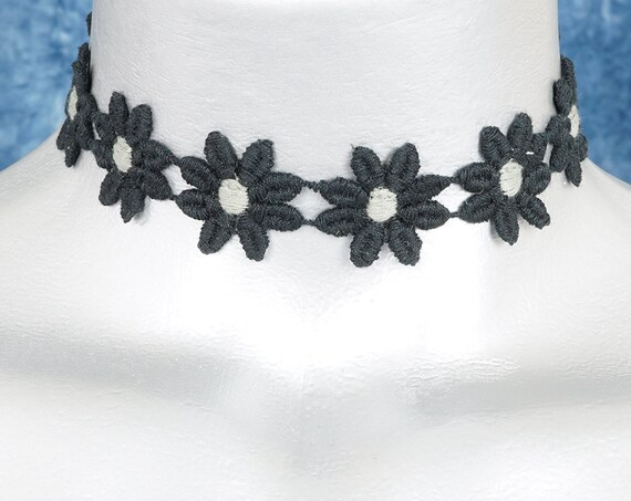 Black Daisy with Gray Center Lace Choker Necklace