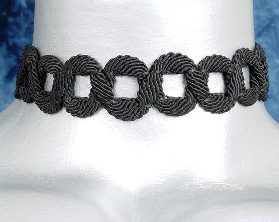 Black Circle Chain Trim Choker Necklace