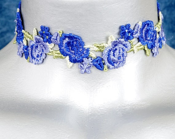 Blue Rose Floral Sway Zigzag Lace Choker Necklace