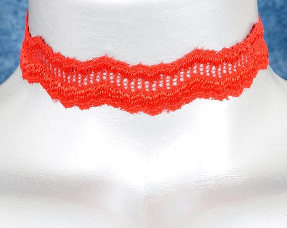 Red ZigZag Scalloped Lace Choker Necklace