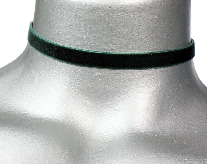 Thin Dark Hunter Green Velvet Ribbon Choker Necklace (10mm)