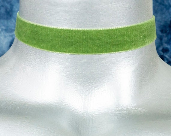 Light Green Velvet Ribbon Choker Necklace (16mm)