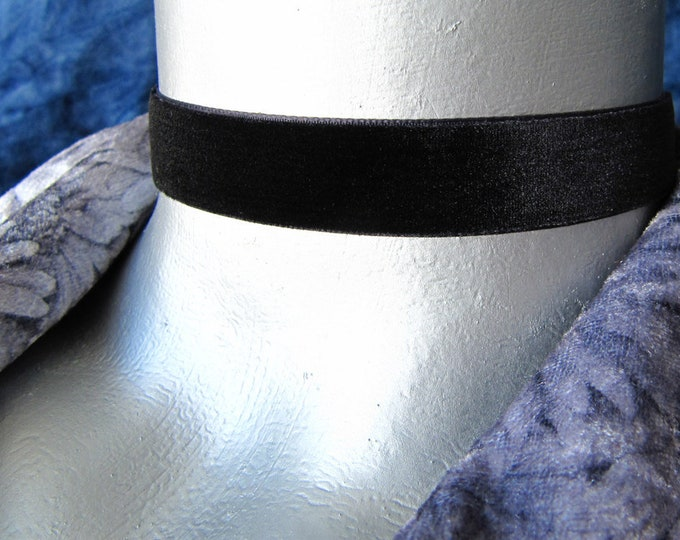 "Plain Black Velvet Choker - 16mm (5/8"") wide - Adjustable Length"