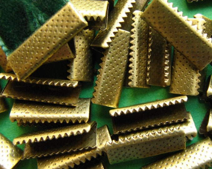50 pieces 16mm (5/8 inch) Antique Bronze Ribbon Clamps Without Loop, Dots Series