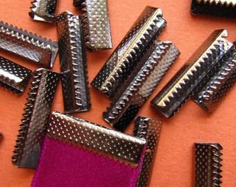16 pieces 22mm or 7/8 inch Gunmetal No Loop Ribbon Clamp End Crimps