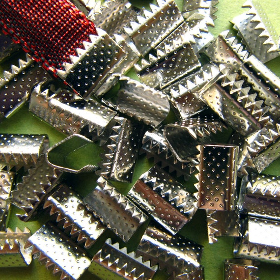 144 pieces 10mm (3/8 inch) Platinum Silver No Loop Ribbon Clamps Dots Series