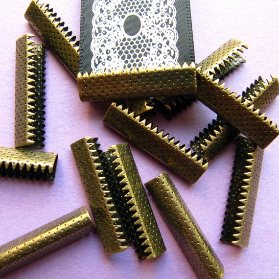 16 pieces 25mm (1 inch) Antique Bronze No Loop Ribbon Clamps Dots Series