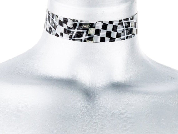 Black and White Checkered Flag Lenticular Choker Necklace