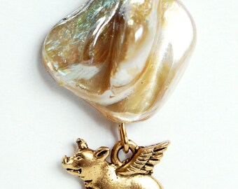 Golden Pigasus and Blister Pearl Pin, Flying Pig Lapel Pin, Off White Beige Blister Pearl and Pig with Wings Tie Tack, Pigasus Pin