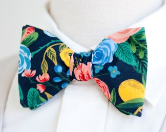 ffd99bf1dad9 Bow Ties, Bow Tie, Bowties, Mens Bow Ties, Freestyle Bow Ties, Self-Tie Bow  Ties, Rifle Paper Co, Ties - Garden Party In Navy