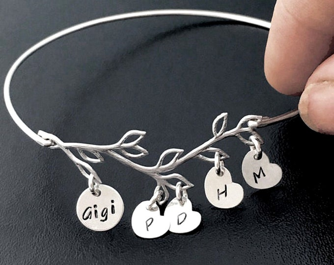 Gigi Bracelet w Charms Personalized Gigi Gift Idea Gigi Jewelry Gigi Mothers Day Gift for Gigi Birthday Gift Family Jewelry Family Bracelet