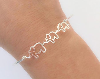 Mama & 2 Baby Elephants Bracelet Mom of Two Gift Mother Two Daughters Two Sons Two Kids Mom of Two Jewelry Mom of 2 Girls Gift 2 Boys 2 Kids