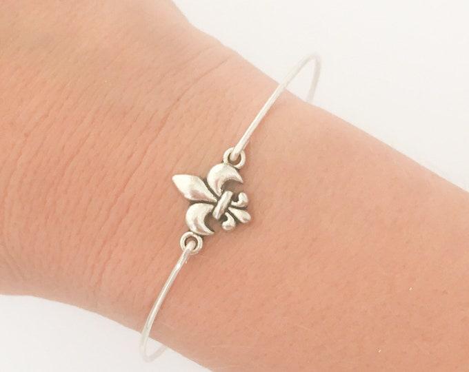 Mini Fleur de Lis Bracelet Bangle Fleur de Lis Jewelry Parisian Gift for Women Parisian Jewelry Parisian Bridesmaid Gift Parisian Bracelet