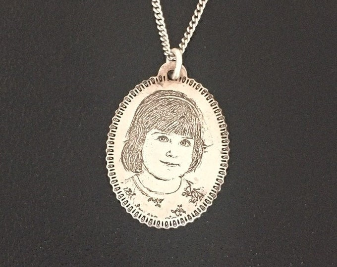 Your Child's Portrait Sketch Necklace Personalized New Baby Gift for Mom Mothers Day gift for Mom Photo Holiday Gift for her