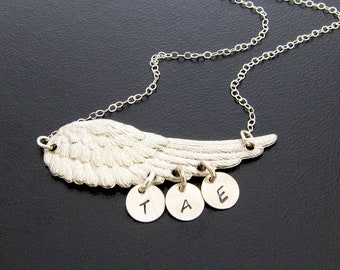 Personalized Mothers Day Necklace for Grandma with Grandkids Initials or Necklace for Mom with 1 2 3 4 5 6 7 or 8 Kids Mothers Day Gift Mom