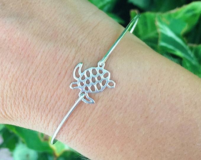 Sea Turtle Jewelry Sterling Silver Sea Turtle Bracelet for Women Beach Inspired Jewelry Ocean Inspired Gift Sea Turtle Charm Bracelet Bangle