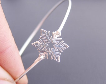Mini Sterling Silver Snowflake Bracelet Bridesmaid Gift Winter Wedding Jewelry Snowflake Jewelry Winter Bracelet Winter Jewelry Fashion