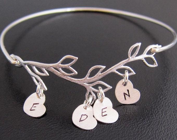 Family Bracelet for Women Personalizable Mother in Law Gift Christmas Present Idea for Mom Sister Best Friend Grandma Mother in Law Bracelet