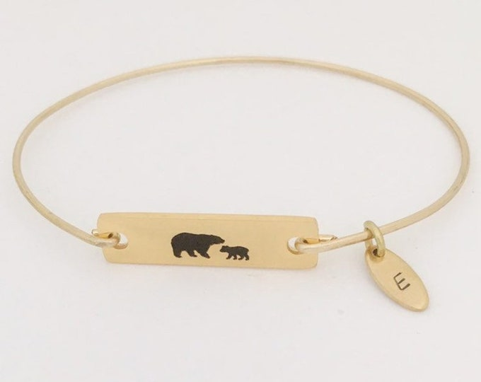 Mama Bear Bangle Personalized First Mothers Day Gift for Daughter Mom Wife Friend from Sister Husband Son Baby Girl First Time Mom Bracelet