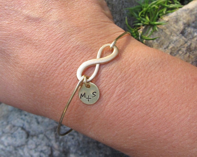 Personalized Gift for Her Birthday Gift for Girlfriend Infinity Bracelet with Couple Initials New Bride Gift From Groom Mom Mother Parents
