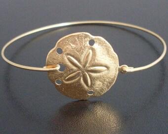 Sand Dollar Jewelry, Sand Dollar Bracelet, Beach Lover Gift, Beach Charm Bracelet, Beach Bridal Shower, Ocean Jewelry, Ocean Bangle