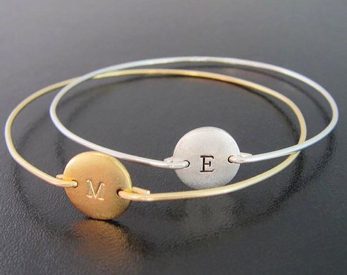 Initial Bangle Bracelet for Women Mom Friend Gold Plated or Silver Plated Disc Personalized Bangle Bracelet Hand Stamped Bangle with Letter