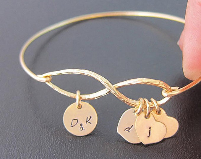 Mothers Day Jewelry Personalized Family Infinity Bracelet Mom Gift From Daughter From Son Initial Bracelet Family Jewelry for Mother Grandma