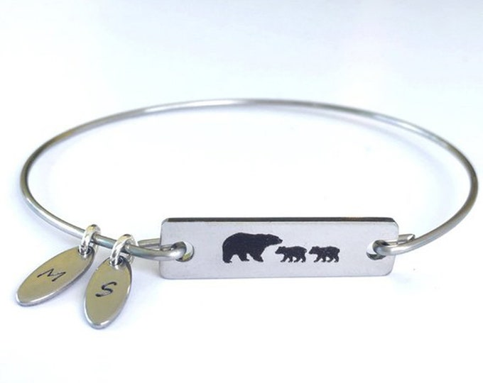 Personalized Mama Bear Bracelet with Charms Birthday New Mother Gift Christmas Gift for Mom Gift from Daughter from Son Mama Bear Jewelry