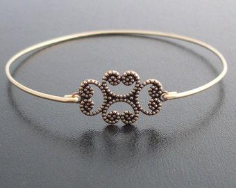 Clover Bangle Bracelet, Karlia, Clover Bracelet, Clover Jewelry, Swirl Bracelet, Swirl Jewelry, Thin Gold Bangle Band, Thin gold Bracelet