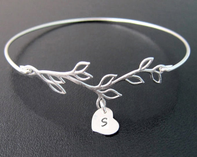 Bridesmaid Gift Bracelet Personalized Jewelry for Women Initial Heart Charm Bracelet Monogram Bracelet Monogram Bangle Bridesmaid Bracelet