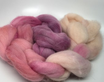 Merino Roving   Hand dyed   Sand Burgundy Rose