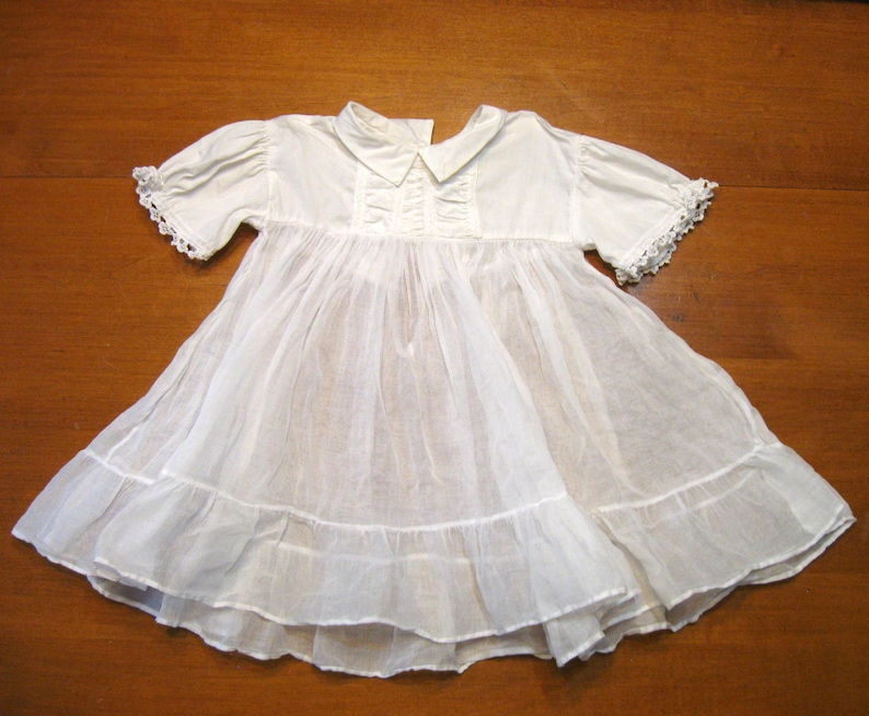 a0517792c6b1 Vintage Baby Dress0 to 3 months Doll Dress Infant Gown