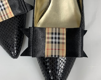 b550e931f858 Burberry Ribbon Shoe Clips